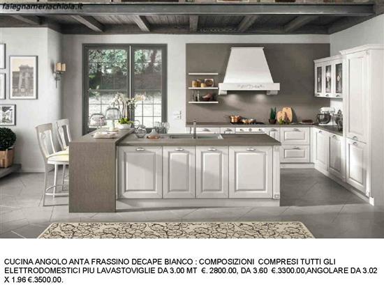 CUCINA ANGOLARE FRASSINO COLOR DECAPE BIANCO N. 164 C. H. ...