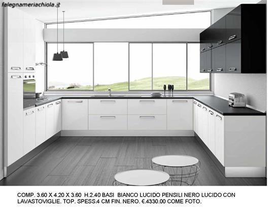 Cucina Con Due Angoli : Cucina a due angoli bianco e nero lucido n m v