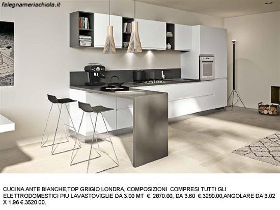 Cucina ante bianche top grigio londra n 105 m es - Top cucina grigio ...