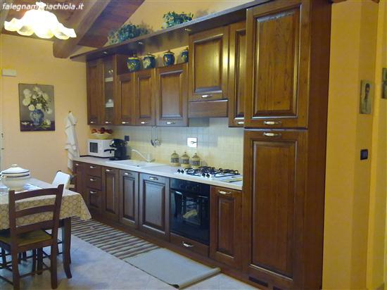 Cucina su misura in castagno. | Falegnameria Chiola