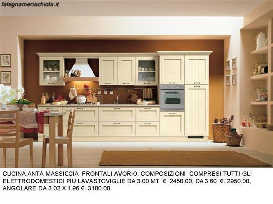 Cucina classica in legno, Cucina angolare in legno, Cucina classica ...